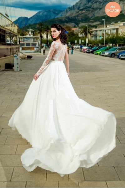 c67b30f5c660 Saténové svadobné šaty na predaj s čipkovaným kabátikom