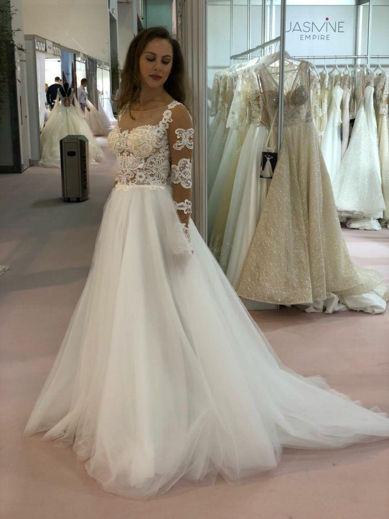 Dokonalé svadobné šaty s dlhými rukávmi