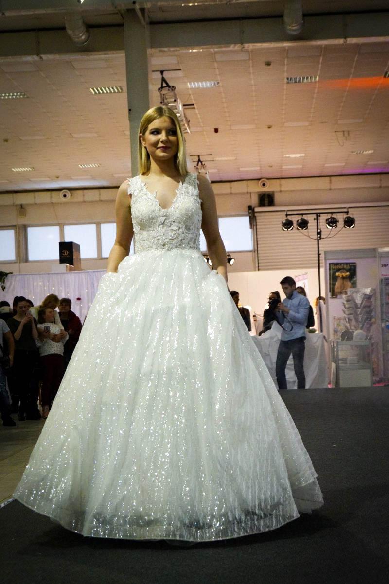 Ligotavé svadobné šaty