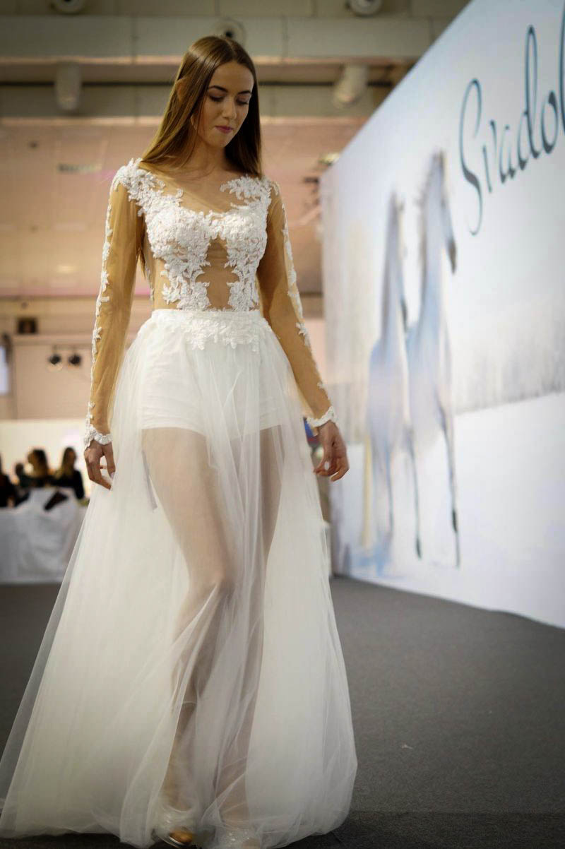 Sexi svadobné šaty s kraťaskami