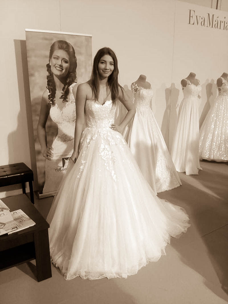 Svadobné šaty s ligotavou sukňou Lotta
