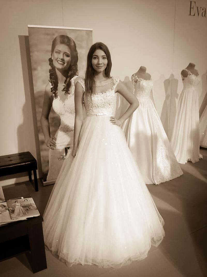 Svadobné šaty Otallie s ligotavou sukňou
