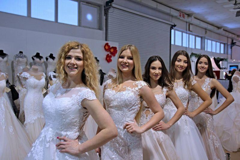 Najkrajšie svadobné šaty na Slovensku a v Českej Republike