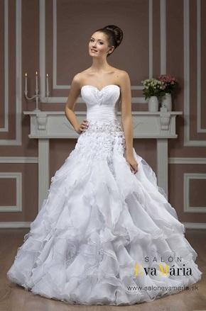 Svadobné šaty pre nevesty s malým hrudníkom