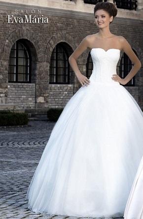 svadobné šaty s kosticami