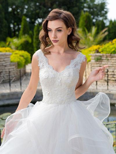 Svadobné šaty s 3D čipkou 2018