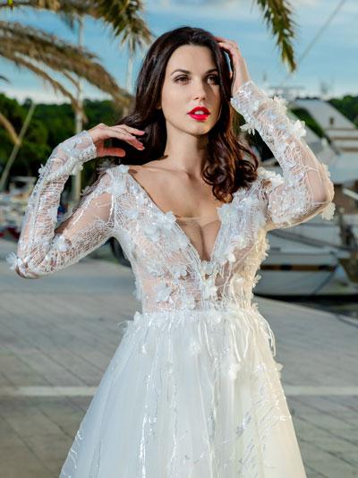 Svadobné šaty s 3D kvietkami 2018