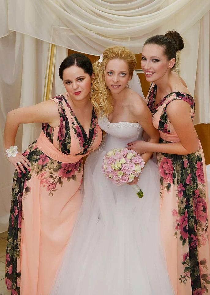 Spokojná zákazníčka vo svadobných šatách Annette Moretti - Svadobný salón EvaMária