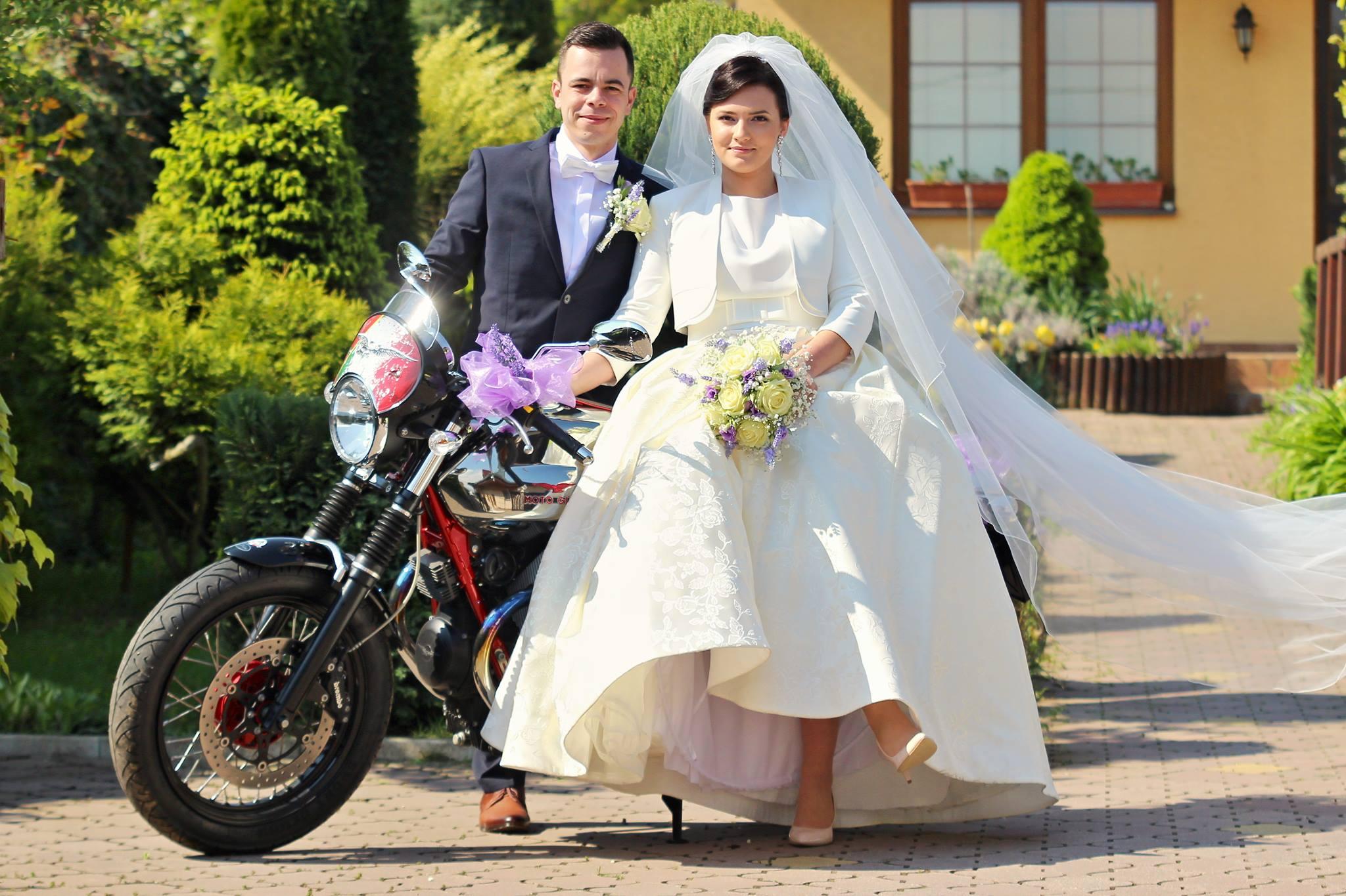 Nevesta vo svadobných šatách Dolores od Tina Valerdi