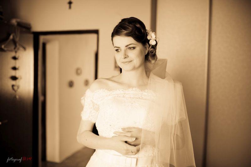 Nádherná nevesta v šatách Maxi zo svadobného centra EvaMária Sereď