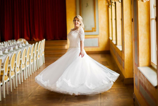 Nádherná nevesta v šatách Viva zo svadobného centra EvaMária Sereď