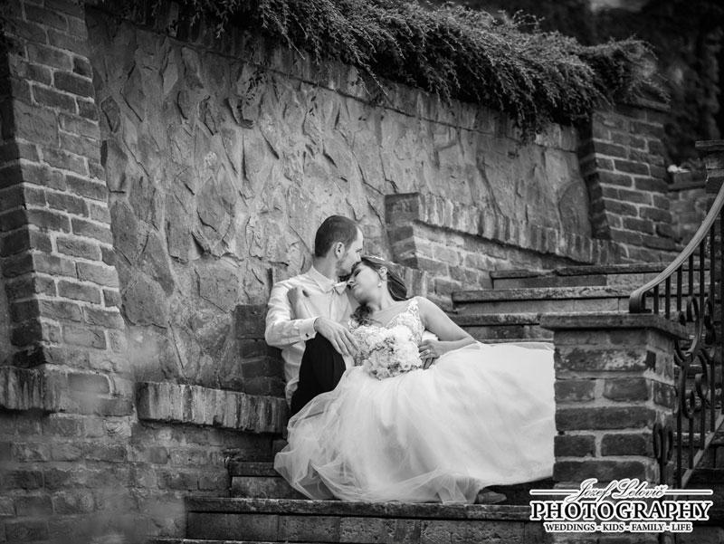 Nádherná nevesta v šatách Isabel zo svadobného salóna EvaMária Sereď