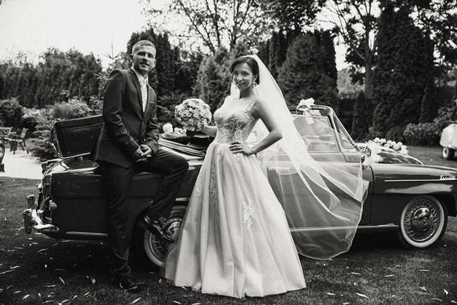 Spokojná nevesta zo svadobného salónu EvaMária