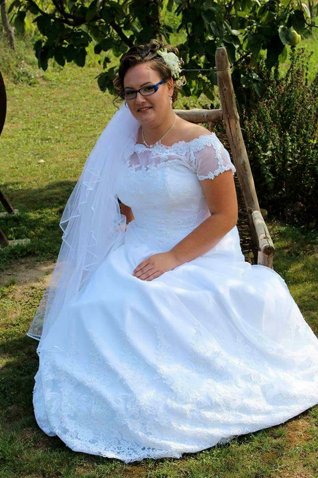 Nevesta v o svadobných šatách zo Salónu EvaMária
