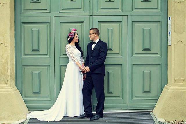 Nádherná nevesta zo svadobného salónu EvaMária v Seredi v šatách Poladia Hadassa