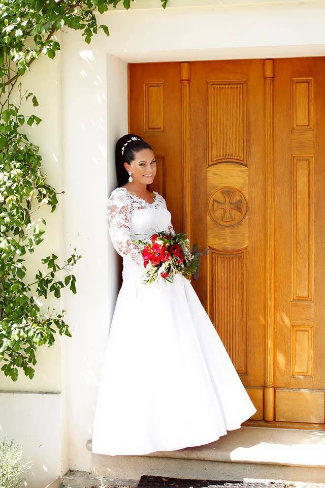 Nádherná nevesta Lenka vo svadobných šatách zo Svadobného salónu EvaMária