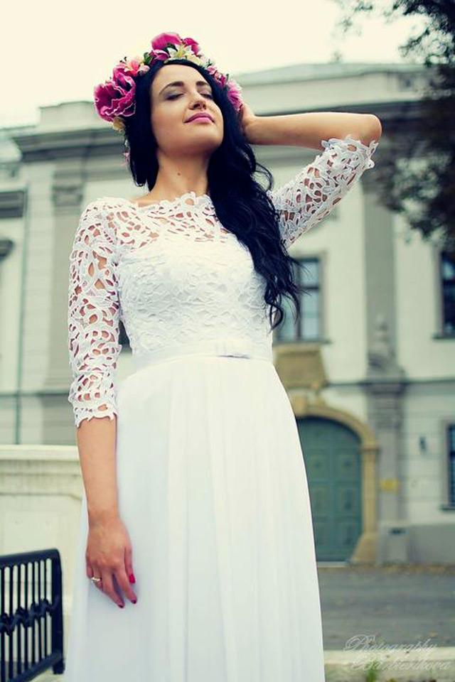 Nádherná nevesta vo svadobných šatách Poladia zo Svadobného centra EvaMária