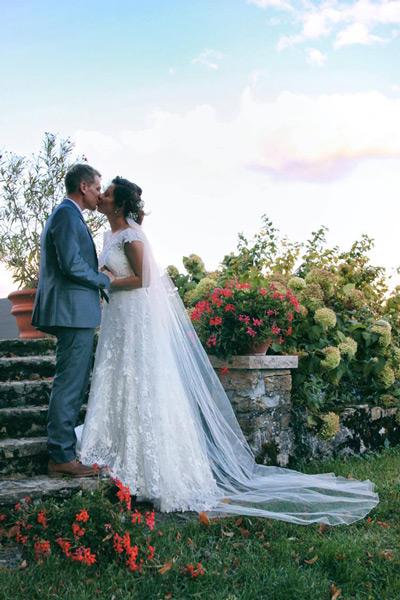 Najkrajšie svadobné šaty s 3D efektom