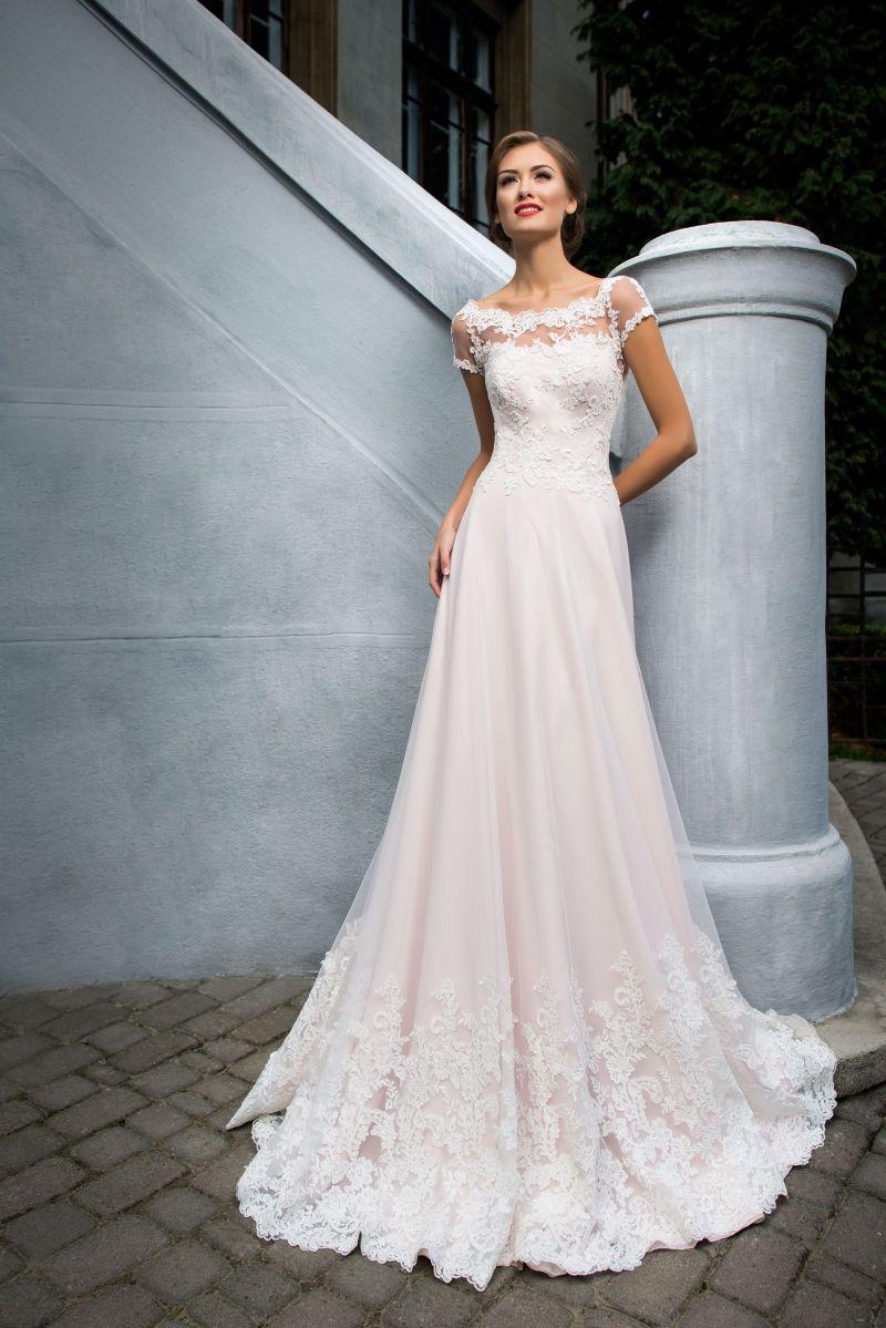 Najkrajšie svadobné šaty pre moletky