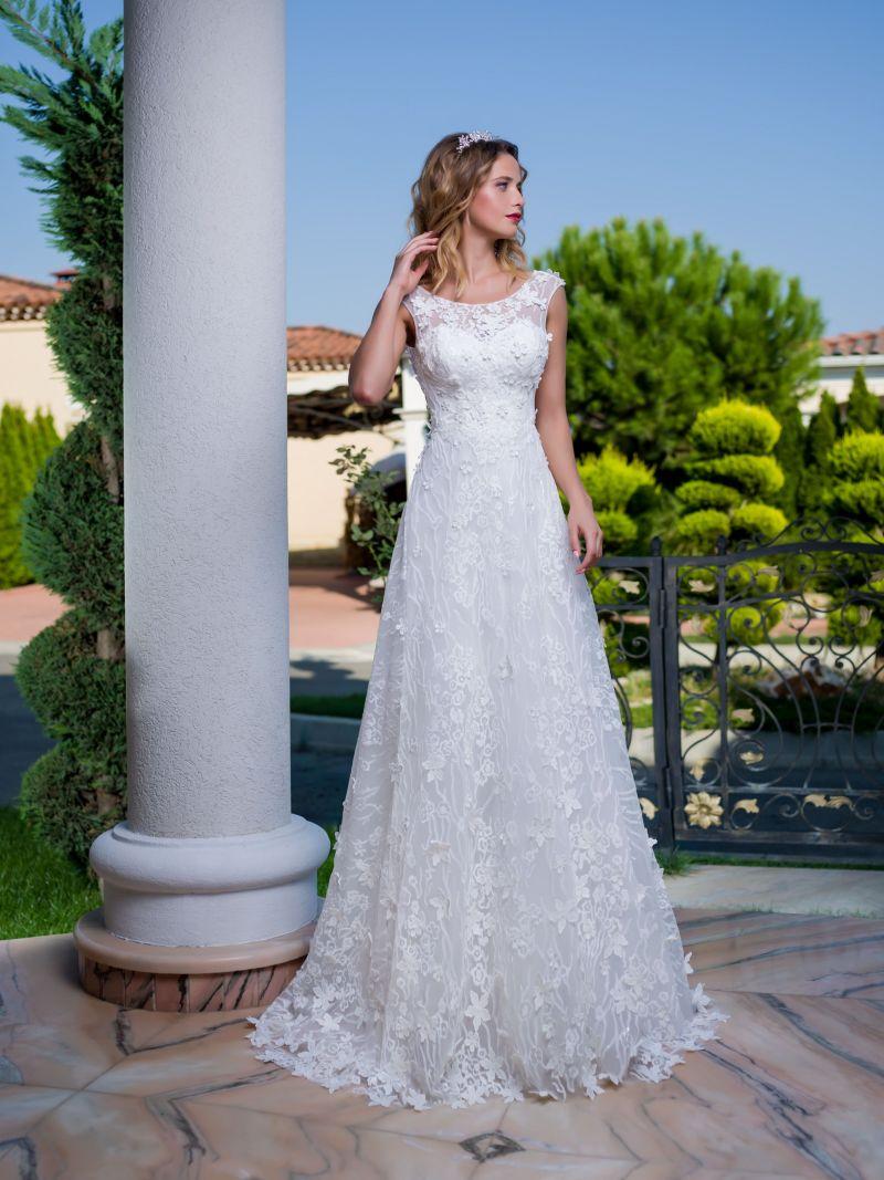 Najkrajšie svadobné šaty s 3D kvetmi