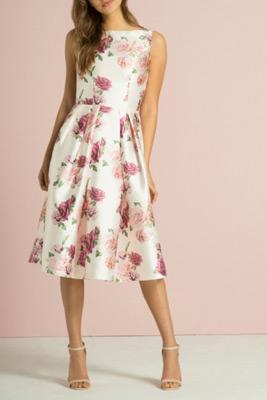 šaty pre svadobnú mamu so širokou sukňou