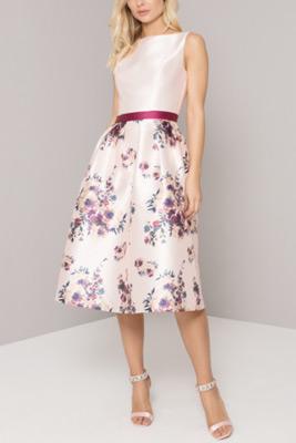 luxusné krátke šaty pre svadobnú mamu