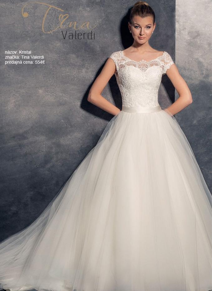 Najkrajšie svadobné šaty s čipkou a s veľkou sukňou s vlečkou