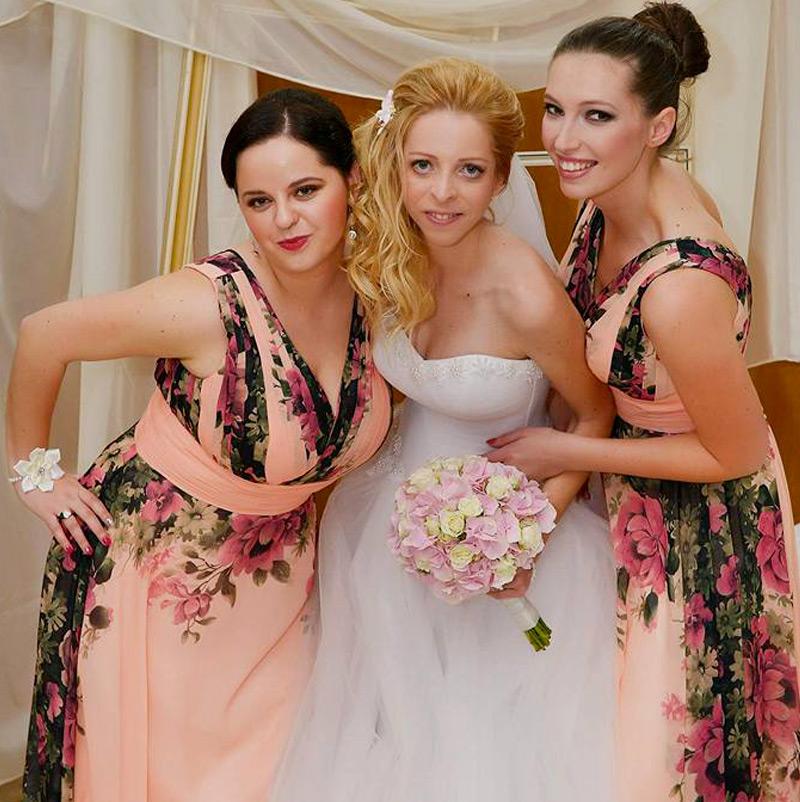 Nevesta v svadobných šatách Velia od značky Annette Moretti