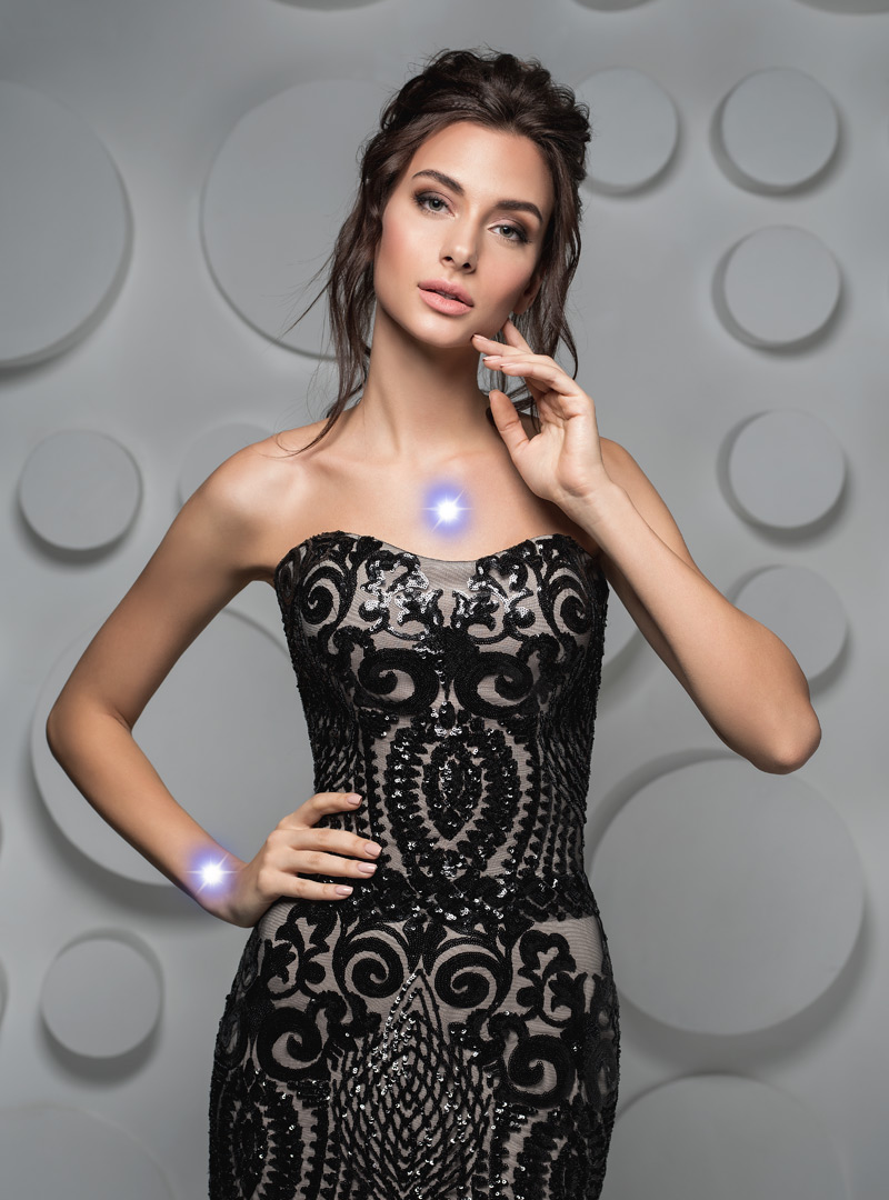 výber šperkov - korzetové šaty