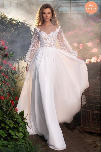 Vílovské svadobné šaty s balónkovými rukávmi.