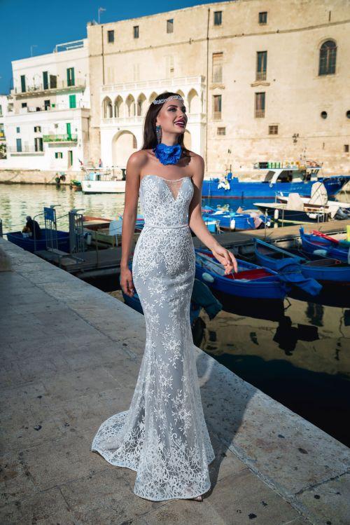 Priliehavé korzerové svadobné šaty s odnímateľnou vlečkou
