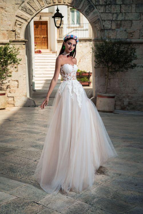 Korzetové svadobné šaty s nadýchanou tylovou sukňou 2019