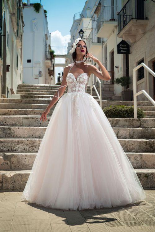 Korzetové sexi svadobné šaty s princeznovskou nadýchanou sukňou 2019