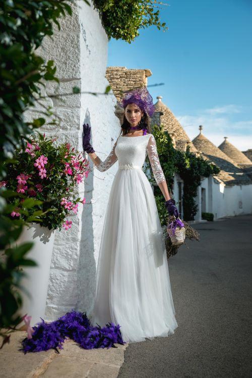 Nádherné svadobné jednoduché šaty s 3/4 rukávmi