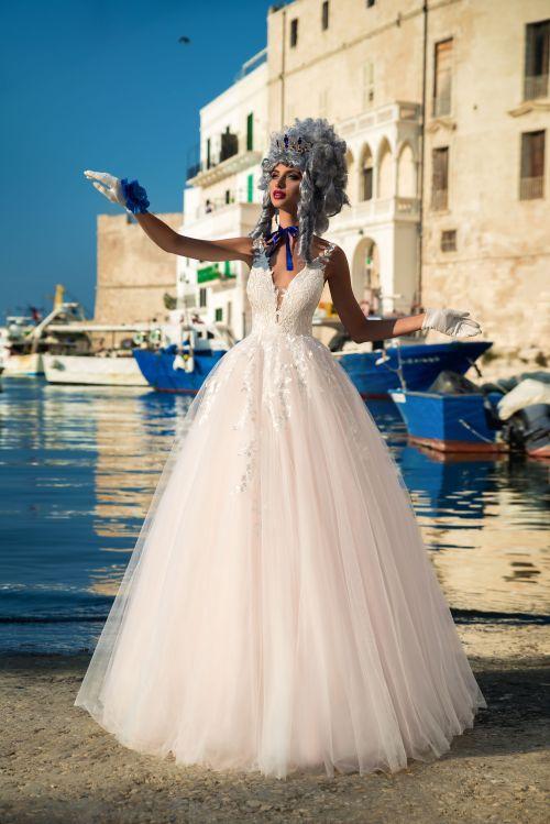 Honosné exkluzívne značkové svadobné šaty s veľkou talovou sukňou