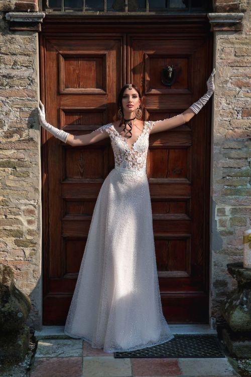 Luxusné svadobné šaty z luxusnýc´h materiálov pre rok 2019