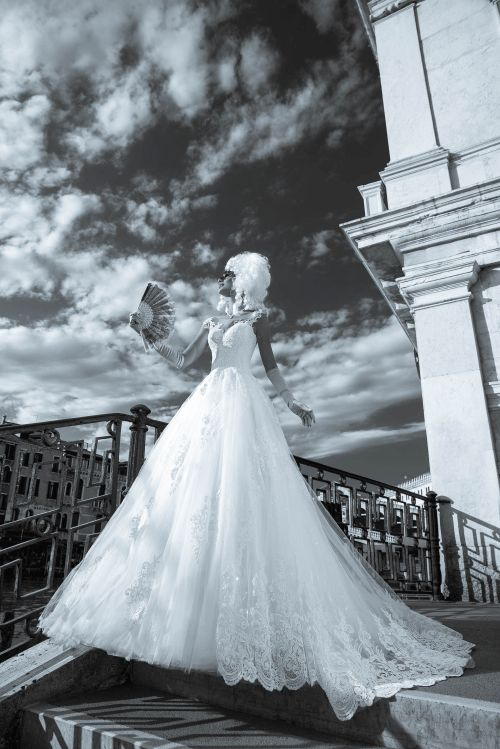 Honosné luxusné značkové svadobné šaty