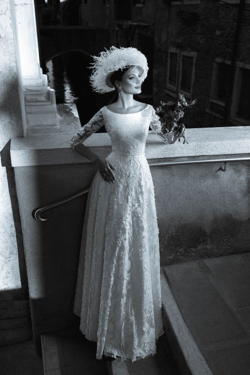Elegantné svadobné šaty pre staršiu dámu z luxusnej čipky