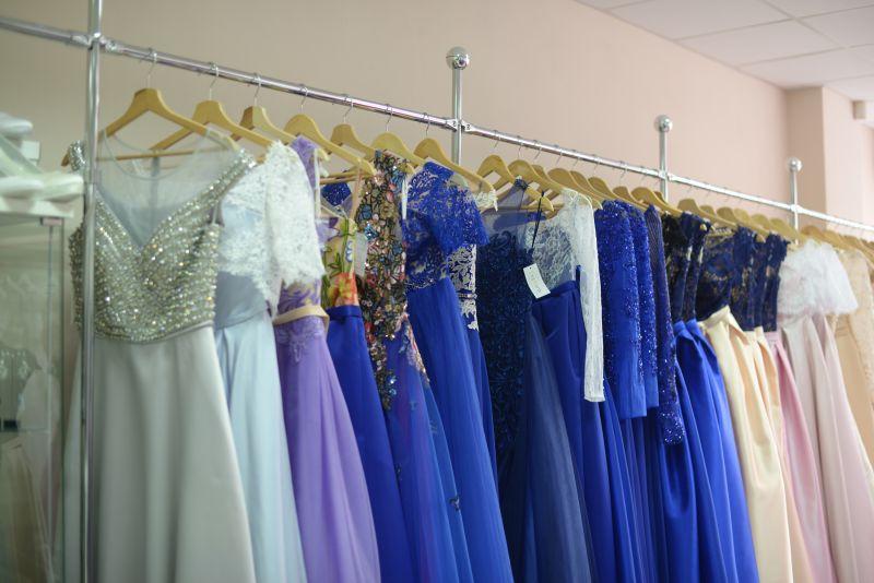 šaty na stužkovú zo svadobného centra EvaMária