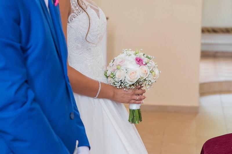 Nádherná nevesta v šatách Elisa zo svadobného centra EvaMária Sereď