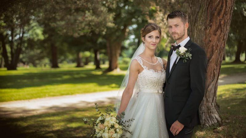 Nádherná nevesta v šatách Ottalie zo svadobného centra EvaMária Sereď