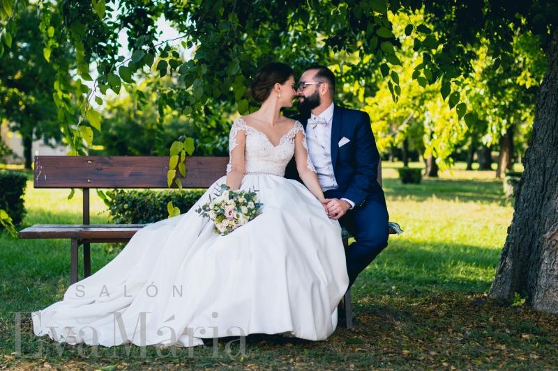Nádherná nevesta so ženíchom zo svadobného centra EvaMária Sereď