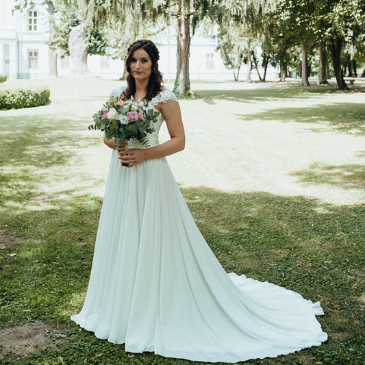 Spokojná Nevesta Natália zo svadobného salónu EvaMária Sereď