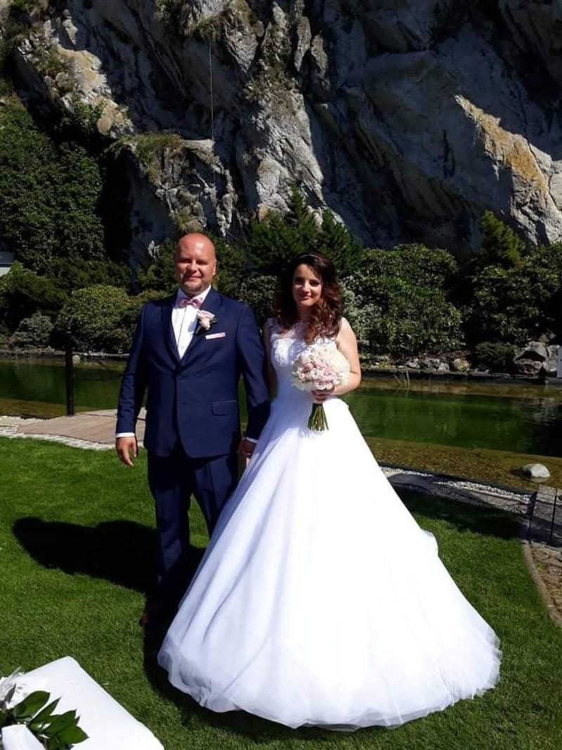 Nádherná nevesta Lýdia v šatách na mieru zo svadobného centra EvaMária Sereď