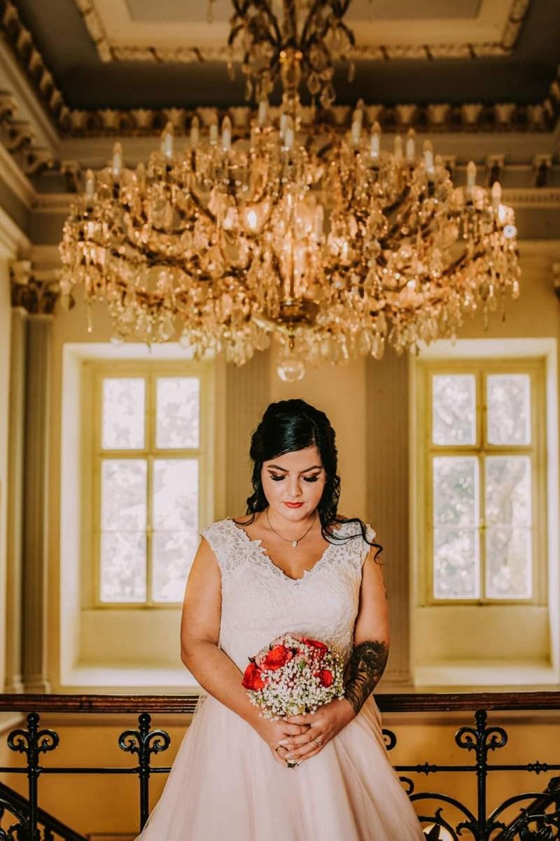 Nádherná nevesta v šatách na mieru zo svadobného centra EvaMária