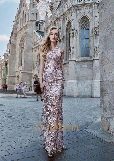 Luxusné exkluzívne úzke šaty na ples z luxusného nevšedného materiálu
